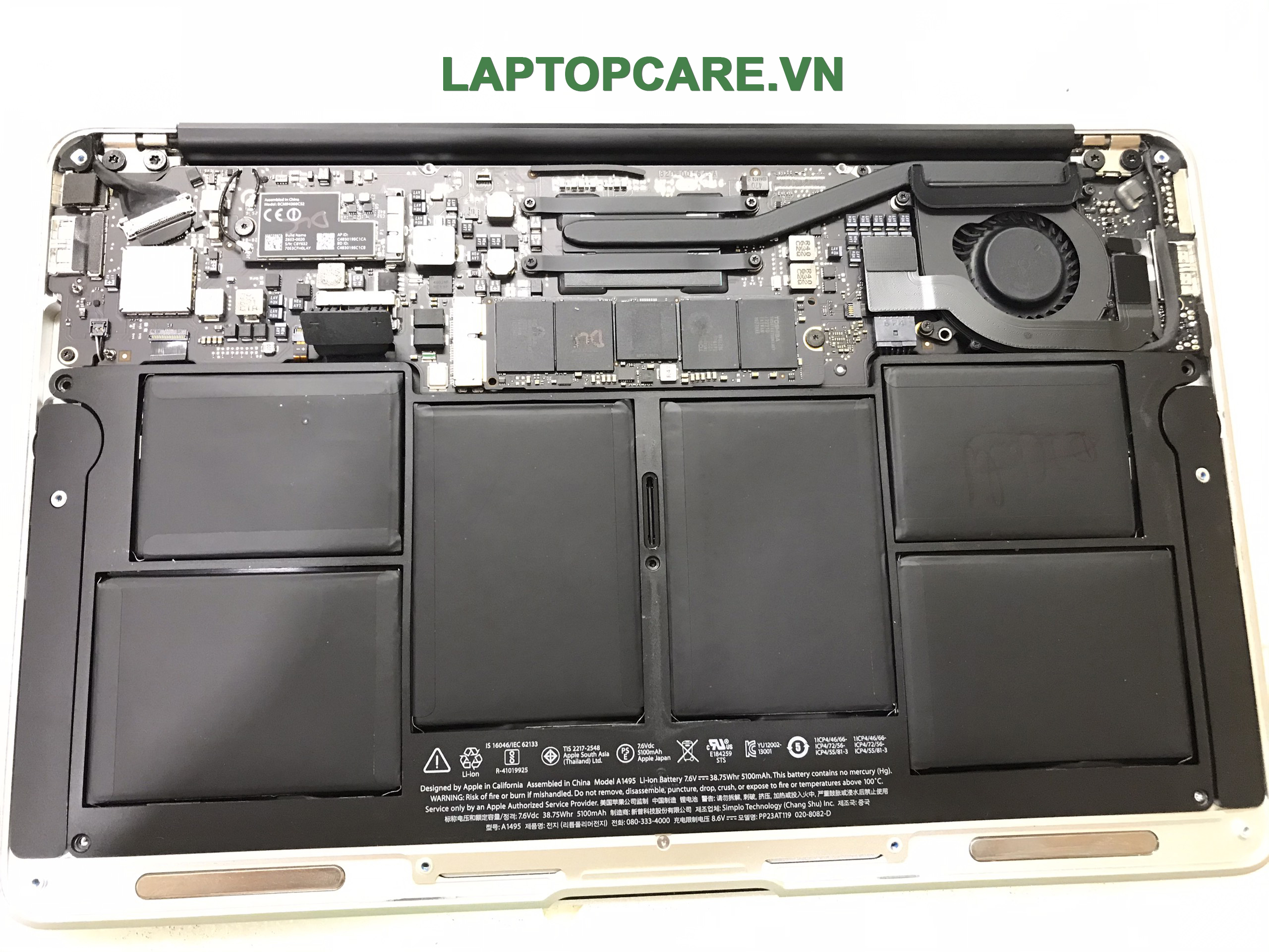 replace_macbook_air_2015_battery_Hochiminhcity