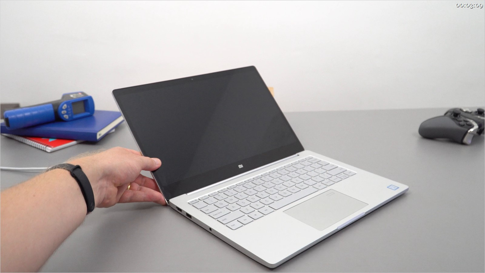 Laptop Xiaomi MI Notebook Air 13 keyboard replacement in Ho Chi Minh